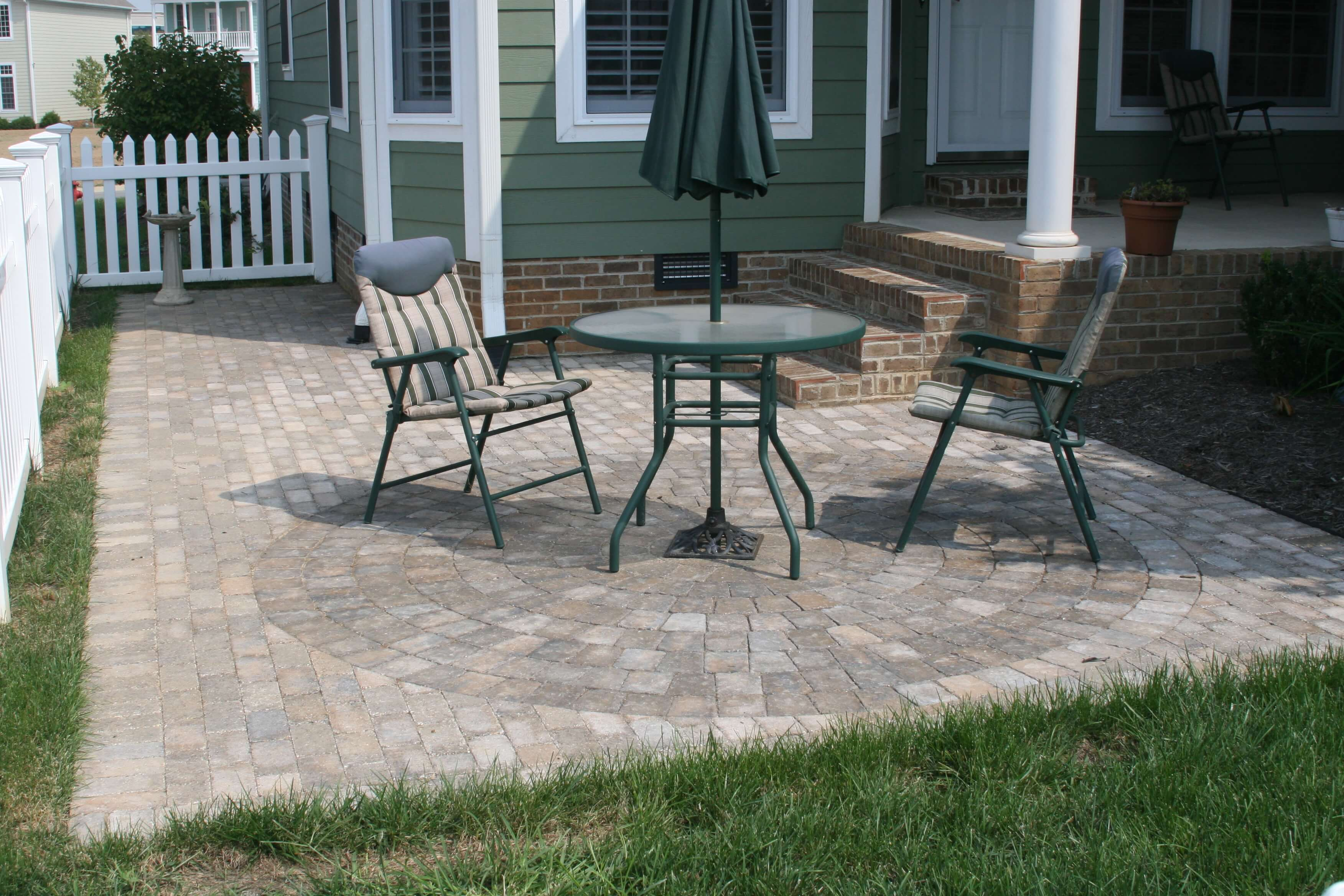 Paver Patio with Circle Kit